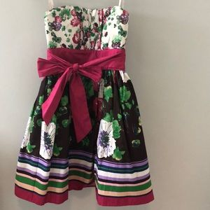 NWOT - Candie's Floral Strapless Dress